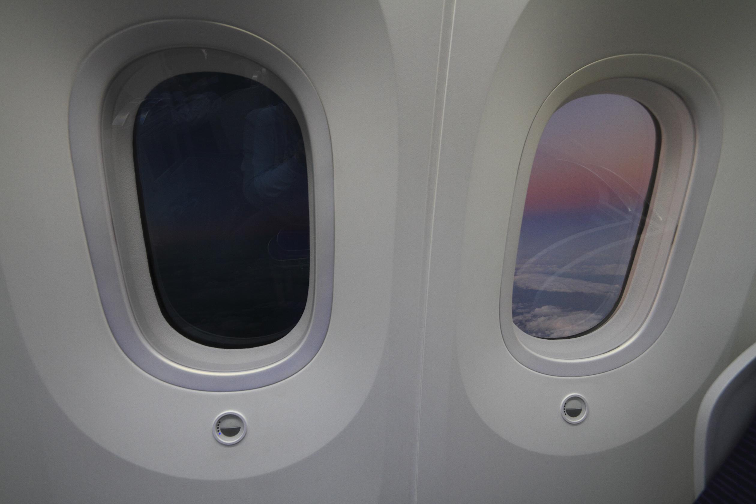 787 window.jpg