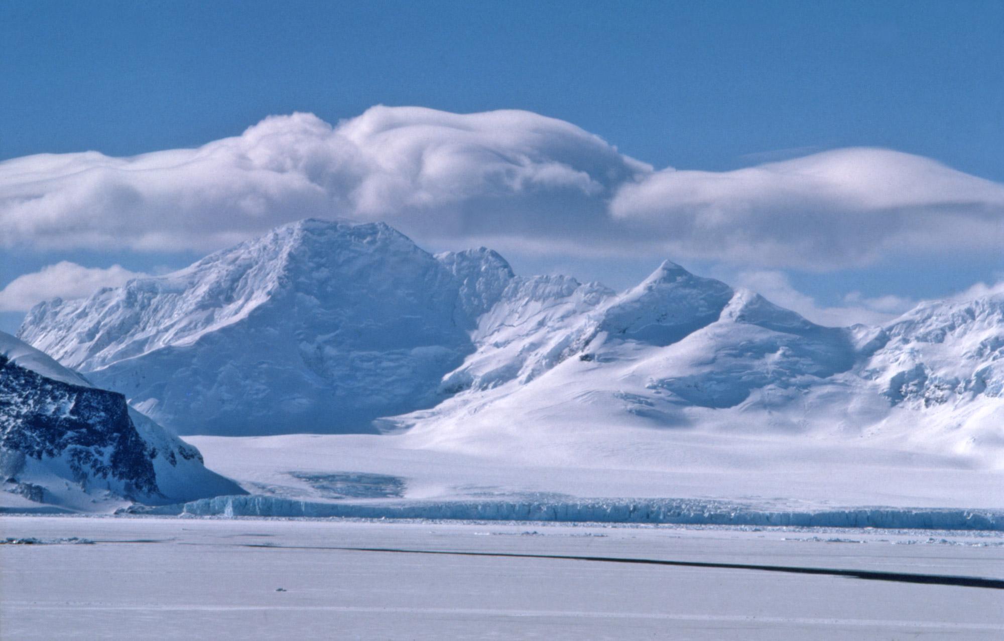Antarctica land.jpg